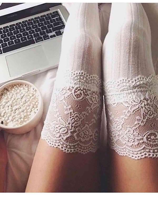 ReyonGO Parfümlü Dantelli Örgü Diz Üstü Jartiyer Çorap Beyaz